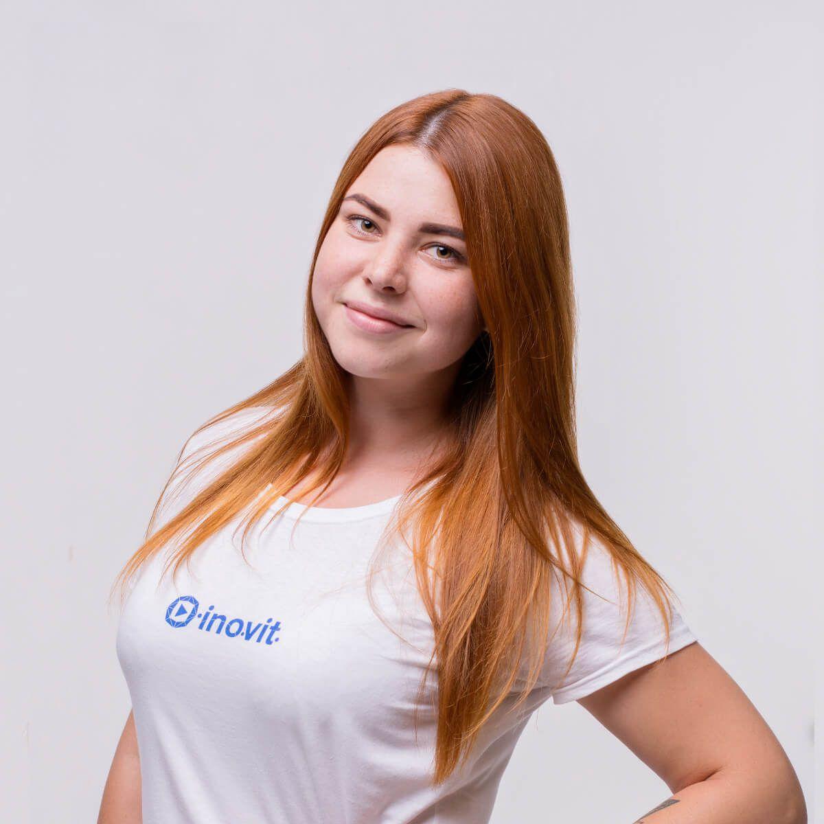 Anna G. Art Director